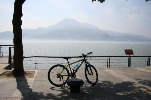 淡水河と観音山